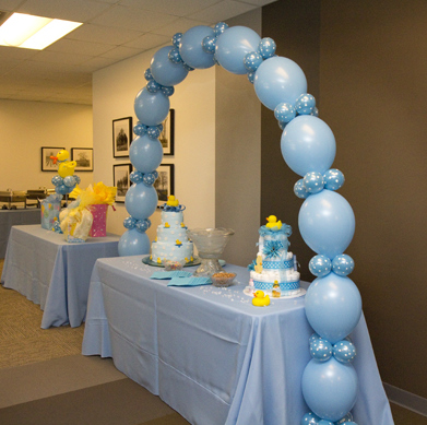 Baby shower balloon decor for Baby shower ceiling decoration ideas