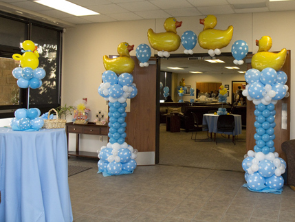 Baby shower balloon decor for Baby shower decoration ideas with balloons