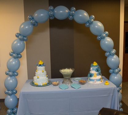 Baby shower balloon decor for Balloon baby shower decoration