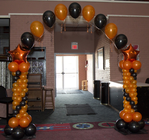 Quinceanera balloon decorations quincenetta tulsa ok for Balloon decoration for halloween